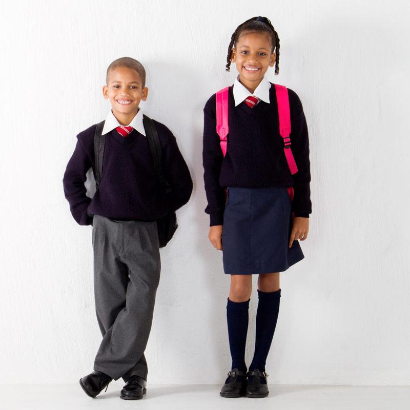 Fardas, uniformes, batas e bibes escolares