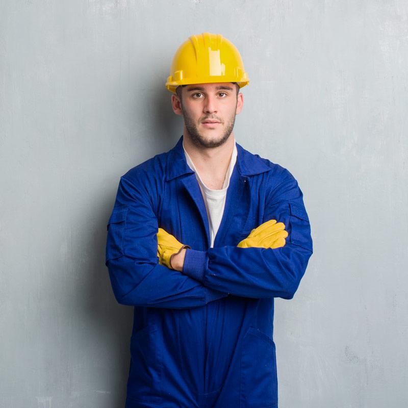 Fardas e uniformes de proteção e segurança